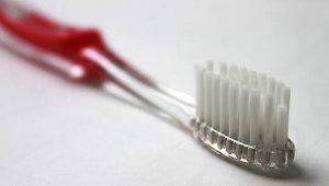 Девочка проглотила зубную щётку
