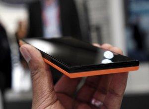 Intex Aqua Fish – смартфон под управлением Sailfish OS (выставка MWC 2016)