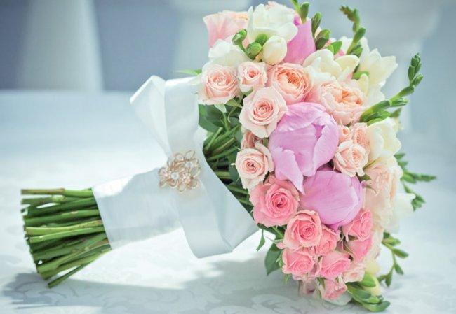 Доставка цветов и букетов на дом дарит ещё больше эмоций 2