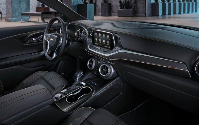 В сети появились фотографии нового Chevrolet Blazer 3