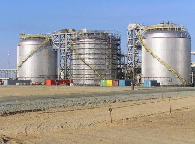 Резервуары для хранения нефтепродуктов: виды и комплектация