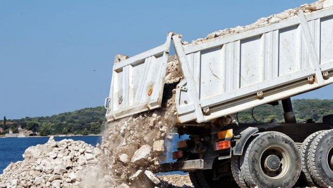 Уборка строительного мусора: почему ее стоит заказать у профессионалов